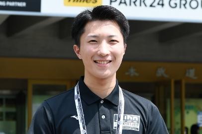 VIP受付担当:東璃久さん(国際学部外国語学科英米語専攻4年)